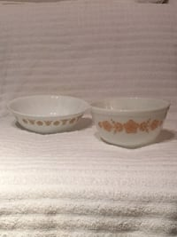 Pair of Vintage Butterfly Gold Bowls—Pyrex & Corelle Vienna, 22180