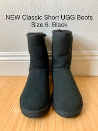 Classic Short UGG Boots. Size 6. Black Los Angeles, 90025