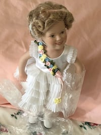 Shirley Temple antique dolls from movies.