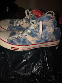 Red blue and white high top Levi's  Hanover, 21076