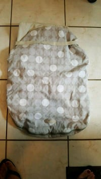 white and gray polka dot print tote bag Toronto, M6E 1S7