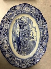 Liberty blue vintage serving dish 9 inches Fallbrook, 92028