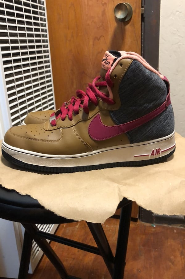 Nike Air Force 1 size 10 b8dcf746-9d42-4160-8624-a53c4fea6bcc