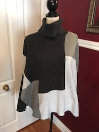 Lord and Taylor ladies turtleneck poncho size small-medium  Oakville, L6H 1Y4