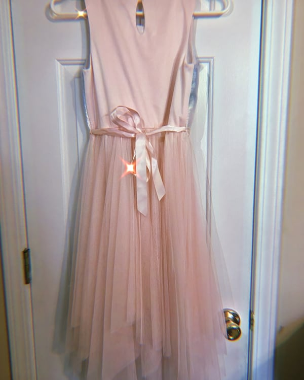 Ombre dress, Size 12 in girls. Only wore once!! ecdf9b8e-fb72-4ecf-bc51-c3a5aa9b51f5