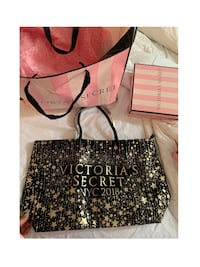 Victoria secret black and gold zippered large tote new with tags Toronto, M3L 1S1