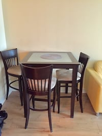 Dining table with 4 bar chairs Toronto, M2K 1G8