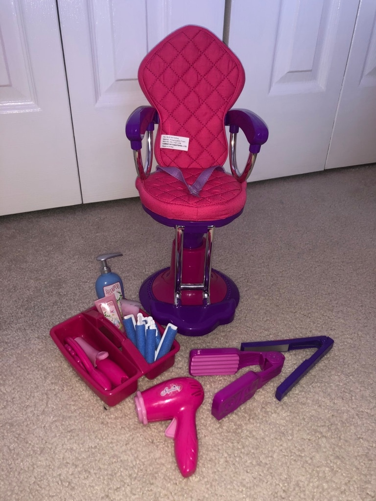 Photo Doll salon chair with accessories