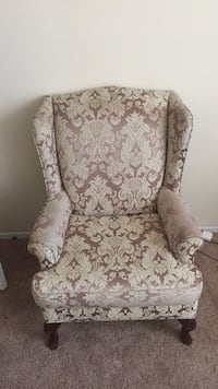 brown and white floral fabric sofa chair Ajax, L1S 3R3