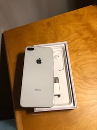 silver iPhone 8 Plus with box 1291 mi