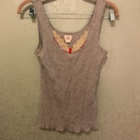 gray scoop-neck sleeveless top Alexandria, 22314