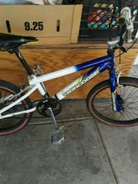 blue and white BMX bike Bakersfield, 93308