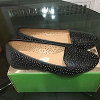 Pair of black leather flats with box size 61/2 Elizabeth, 07208