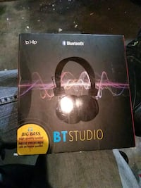 Brand new Bluetooth headphones Edmonton, T5G 3B3
