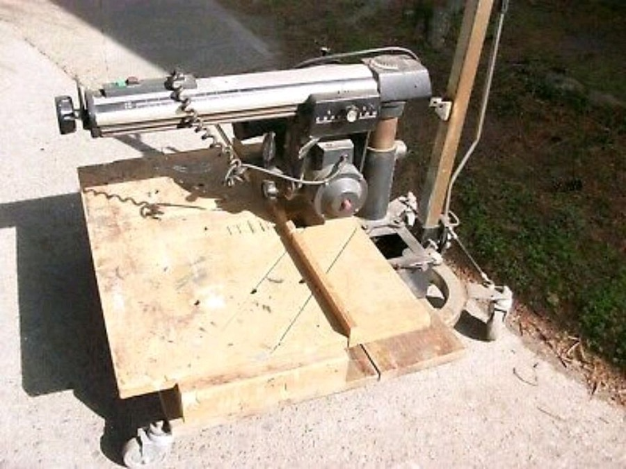 Photo Electronic Craftsman Sears and Roebuck's 10 radial arm table saw