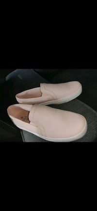 pink leather slip-on sneakers size 6.5 Somerville, 02144