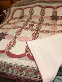 White and red floral area vintage antique quilt 43 km