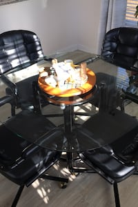Glass top w/black base, with 4 leather arm roll chairs Hampton, 23663