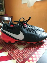 Like New... Soccer Cleats  Des Moines, 50316