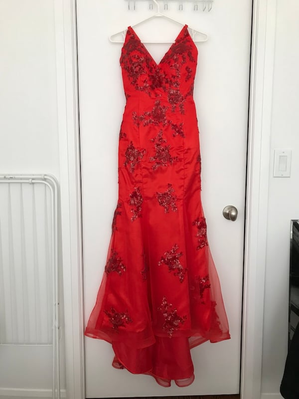 Red Prom sleeveless dress. b34cdc40-19df-4385-b6c8-a20e713439e2