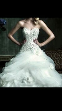 Allure Couture wedding dress plus free items Toronto, M5B 0A5