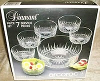 Vintage 7- piece Diamond cut salad bowl set 273 mi