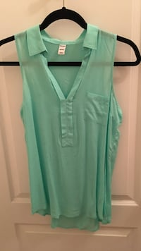 Sleeveless mint green top with collar Burnaby, V5H