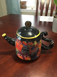 Black and red cat design ceramic teapot vase Orillia, L3V 5B8
