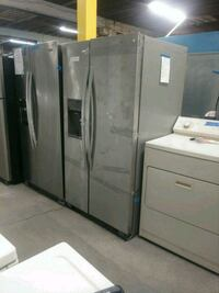 New scratch and dent whirlpool side by side fridge Baltimore, 21223