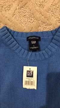 New Men's Gap sweater  Aldie, 20105