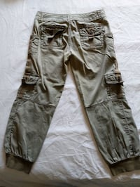 Guess women green cargo pants size small