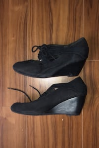 Free Size 7 platform shoes- Pick up only- Bathurst & Fort York. Toronto, M5V