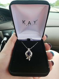 NEW kays love in motion pendant