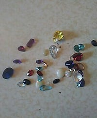 Loose precious gemstones