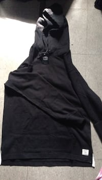 Brand new black roots hoodie Winnipeg, R2W 1P3