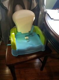 Booster seat Medford, 02155