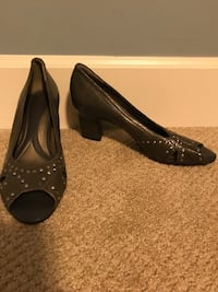 pair of black peep-toe heeled shoes Abbotsford, V2T 2G4