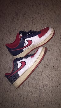 pair of white-and-red Nike sneakers Port Moody, V3H