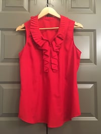 Red sleeveless blouse - size M