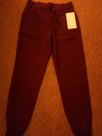 Lululemon on the fly jogger, woven. Size 4, brand new. Boston