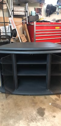TV stand w/ rotating top shelf.  Meridianville, 35759