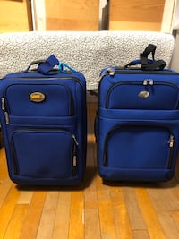 2 carry on suitcases