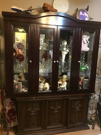 Brown wooden display cabinet Kitchener, N2E 2C1