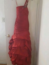 women's red sleeveless dress Toronto, M9V 4A9