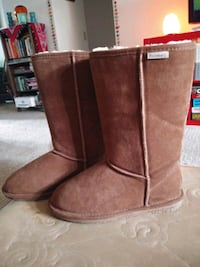 Bearpaw, womens size 11, worn once Vancouver, 98682
