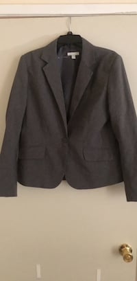 Gray Suit Jacket Triangle, 22172
