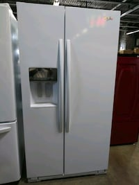 "36"" Whirlpool White SxS Water/Ice Middlebury, 06762"