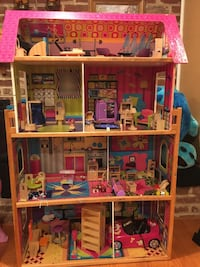 Wooden Dollhouse Rockville