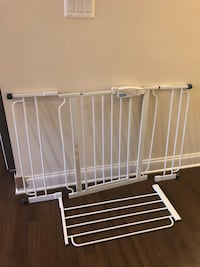 Regalo brand adjustable baby gate Baltimore, 21201