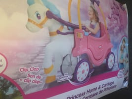 Horse and carriage riding toy